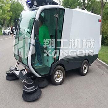 XGS-2100电动扫路车