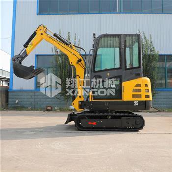 XG8025型履带式小型挖掘机